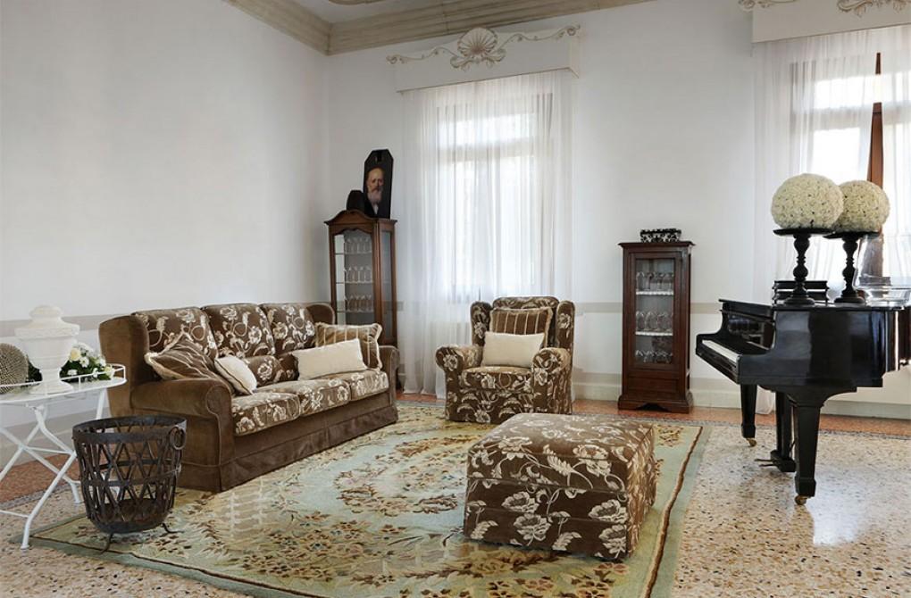Epoca essegi arredo mobili e arredamento d 39 interni a for Arredamento d epoca